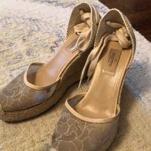 Valentino 39 Lace Espadrille wedges